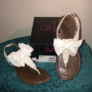 💎 Material Girl Bow Sandals 💎 Size 8 1/2 💎
